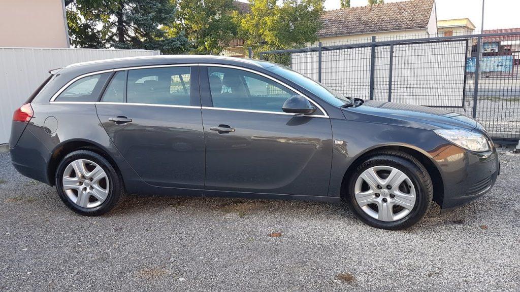 Opel Insignia Sport / 2013
